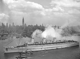 RMS Queen Mary 1945